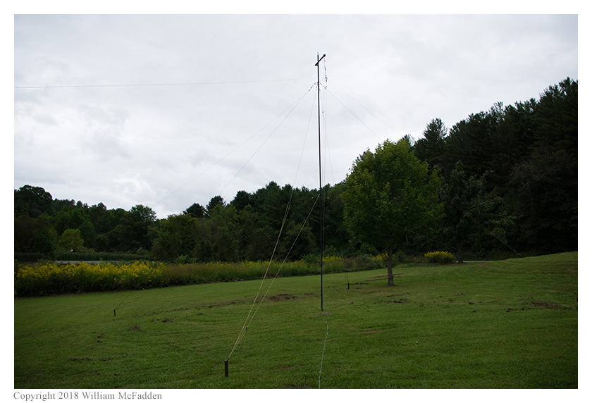 The 80m/40m fan-dipole supported by the military-surplus AN/GRA-4 mast